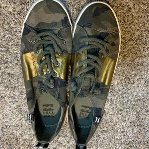 Billabong Camo Sneakers Size 8